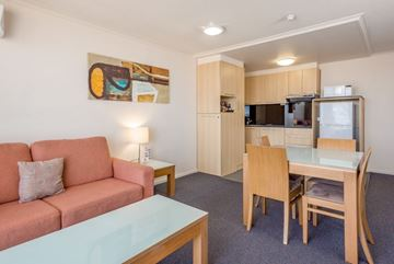 Picture of QUEENSLAND Gladstone Metro Hotel & Apartments Gladstone 2 Night Accommodation Stay